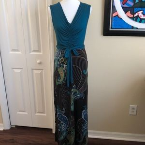 Gilli Maxi Dress - Size Medium
